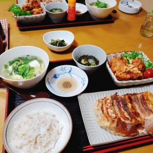 【餃子】と【鶏の唐揚げ】の晩ごはん