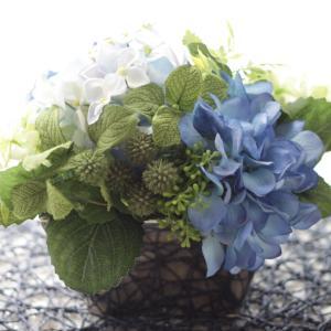 季節のお花を食卓に