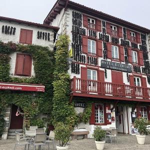 フランスバスク 唐辛子の街