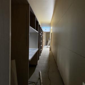 『廊下の家』長い家具ができてきました!