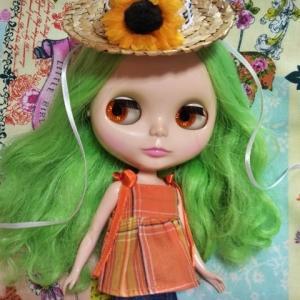 麦わら帽子には向日葵を