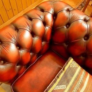 休日のお仕事@鎌倉七里ガ浜(1) Furniture Clinicのクリームを愛車のシートに塗り込みましょう