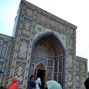 ウルグ・ベク天文台とシャーヒ・ズィンダ廟群・グリ・アミール廟群 -ウズベキスタンー