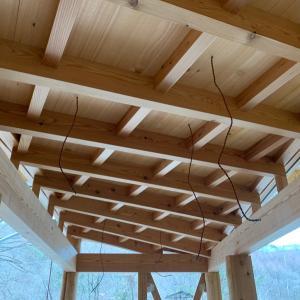 ■カラマツコンテナ 屋根木組み/ Larch Container roof construction