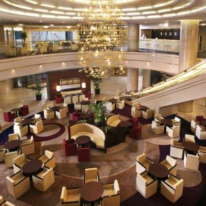 今日、13時のお見合いはこちらホテル日航姫路ティーラウンジ「ファウンテン」