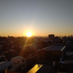 朝は新しい人生の始まりである。
