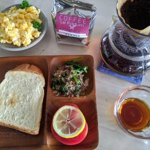 朝食作りました!