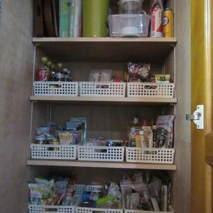 キッチンに奥行き80センチの収納は要らない