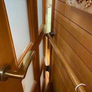 シニアの暮らしは工夫で乗り切る~扉の開き方を変えて動線楽々