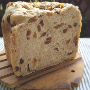 たっぷりレーズンの食パンが食べたい:ホームベーカリー裏技「レーズン後入れ1粒つつき」