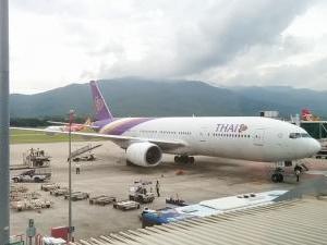 現在、タイに向けて飛んでるフライトは何があるか その1