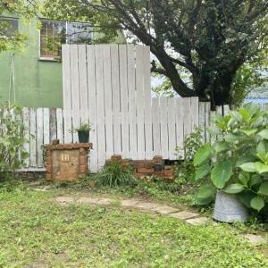 お庭の柵が古くなったのでDIYしました。