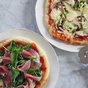ピザ二種類♬.*゚