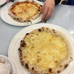 パステルのピザ食べ放題のランチ。
