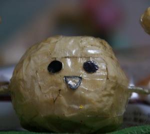 みんなで、ちっちゃい板チョコデニッシュを食べる♪\(^▽^)