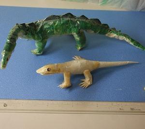 『ティッシュとセロテープの、スーパーサウルス&トカゲ♪』 ちりがみ写真館♪