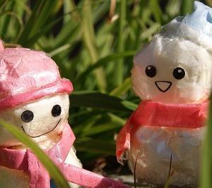 ティッシュとセロテープの、雪だるまを微・改造♪(2/4)