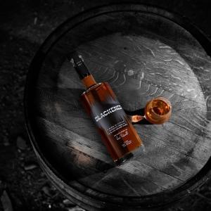 メタリカのウイスキー「Blackened Whiskey」が発売へ