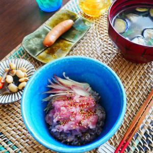 鮪たたき丼、炒飯、鮭弁。