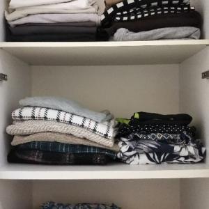 衣類収納、畳む→吊るす→立てる