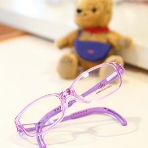 小さなお子様用のメガネご紹介