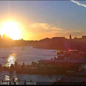 ライブカメラ 今のベネチアの夕陽