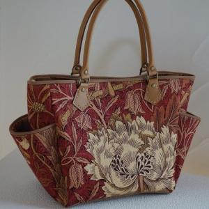 ウイリアムモリス生地のバッグ