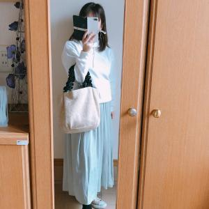 【UNIQLO】春グリーンのドレープギャザーロングスカートでコーデ