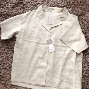 【GU】リネンブレンドオープンカラーシャツ