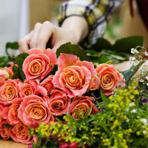 花を贈る楽しさと嬉しい声