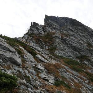 10月 紅葉の唐松岳-不帰ノ嶮山行報告(2日目-1 不帰ノ嶮ピストン)