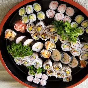 独立記念日 寿司作ってます