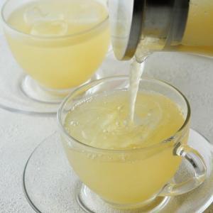 緑茶とパイナップルピューレ