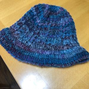 ハマナカの新商品のディーナで帽子♪