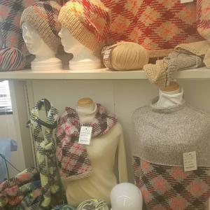 阪急うめだ本店10階☆クロバーの新商品のマジックナンバーの毛糸で帽子♪