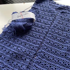 かぎ針で編むカーディガン!