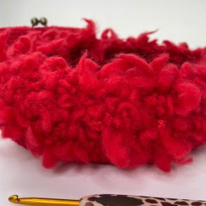 YouTube⭐︎細編みでがま口編んでいます!