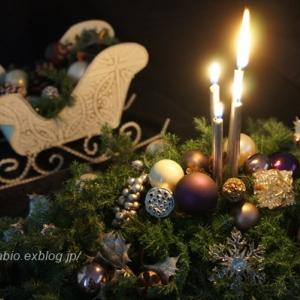 クリスマスキャンドルアレンジメントのお色直し・スワッグ・デコ