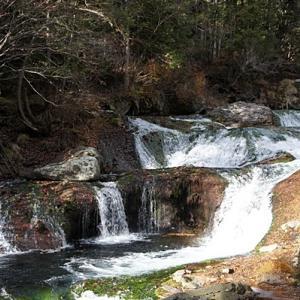 晩秋のおしどり隠しの滝&御射鹿池