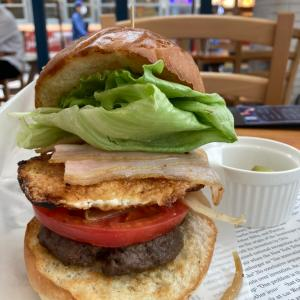 新宿で美味しいハンバーガーパワーランチ♪