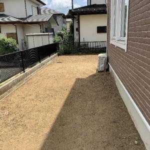 年間管理させて頂いている個人邸の草刈り作業