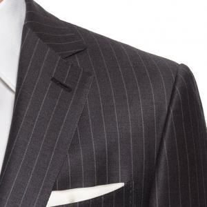 NHKチコちゃんに叱られる!!でスーツのルーツは軍服であると紹介されたらしい