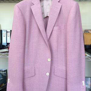 【自分ファッション】メッシュ生地で夏仕様(半裏)のピンクジャケットがお気に入り