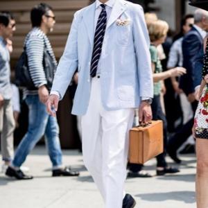 夏は白パン(ジーンズ)のビジネススタイルで快適かつオシャレなセンスで勝負する!でも汚れに注意