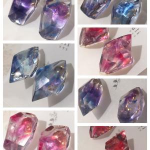 26日(本日)12:00より、切り絵の国の宝石販売致します。