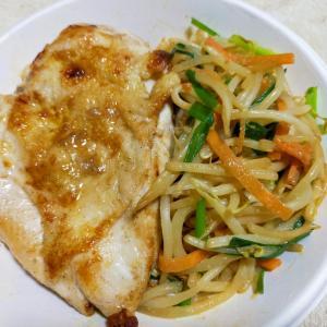 鶏ムネソテーと野菜炒め