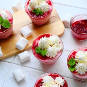 とかして混ぜて冷やすだけ! 木苺のミルクプリン