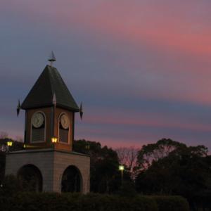 日の出前の幸公園