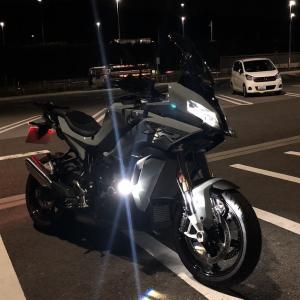 S1000XRのライトは明るい