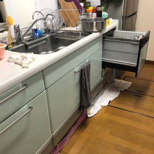 キッチンが大洪水で大変な一日